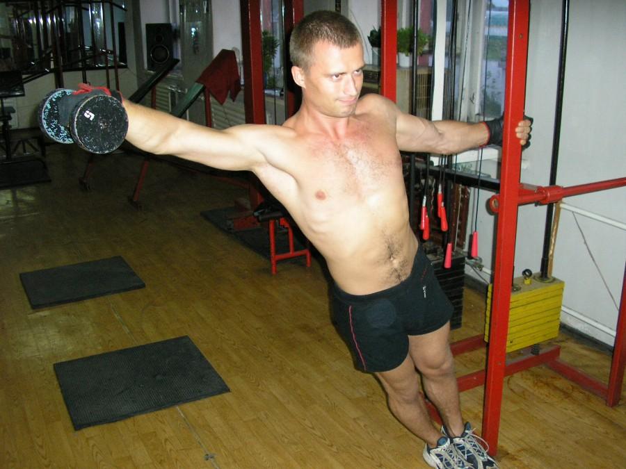 Техника выполнения упражнения одной рукой