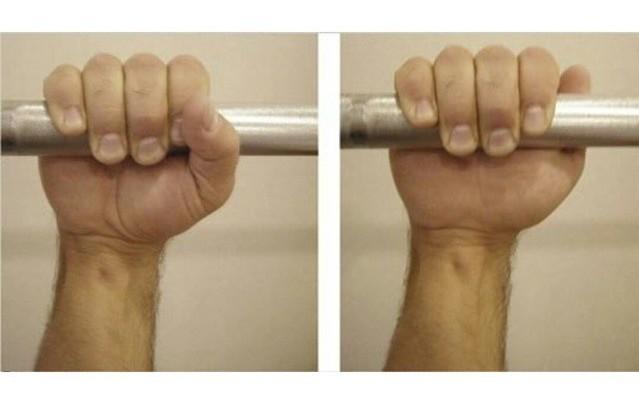 Правильное положение руки на снаряде
